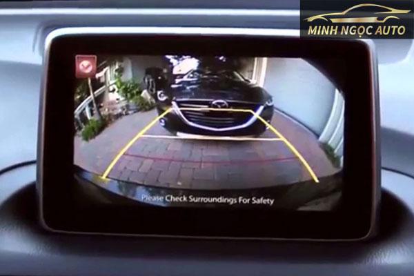 cách lùi xe bằng camera