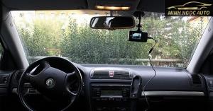 Cách gắn camera hành trình lên xe ô tô đơn giản nhất 2020