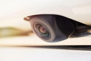 Những điều cần biết về gắn camera lùi cho ô tô